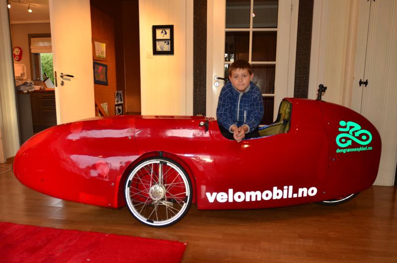 Ferdinand Villanger Løberg kjører WAW044 velomobil